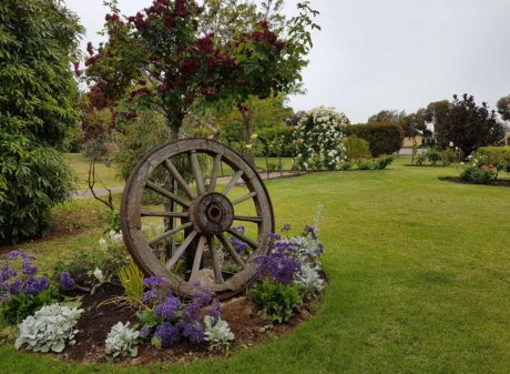 adelaide hills wedding venue gardens